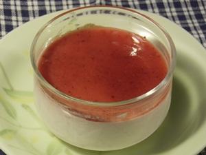 旬の苺のなめらかプリン