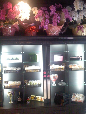 Miyavi店内 焼き菓子のショーケース