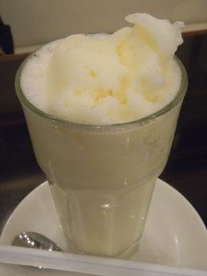白十字パーラー ミルクセーキ