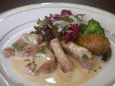 メイン 豚肉のマスタードソース