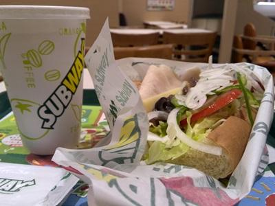 サンドイッチとコーラ