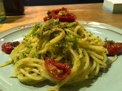 ローストトマトのブロッコリーソーススパゲティ
