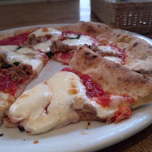 Pizzeria Trattoria NAPOLI コン・トンノ