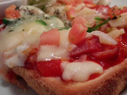バードモナミ ピザトースト