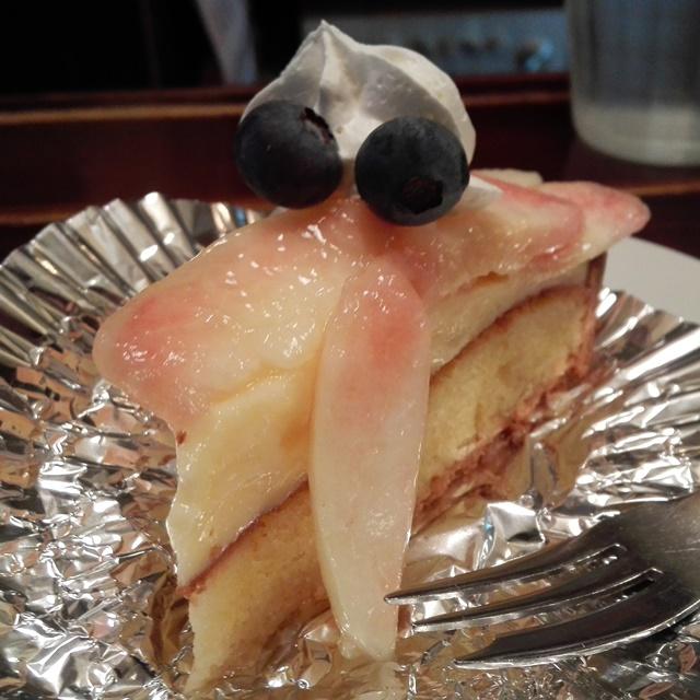 佐世保市光月町 バードモナミ フレッシュ桃のタルト