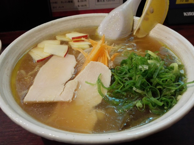 麺や潮風(佐世保市浜田町) 冷やしラーメン「流氷」